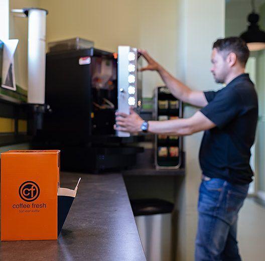 Onderhoud koffiemachine op het werk | KoffiePartners