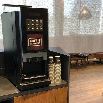 Koffiemachine voor op kantoor | KoffiePartners