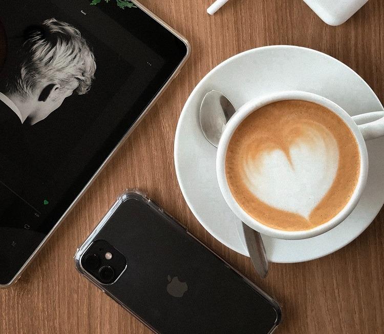 Professionele koffiecupmachine | Verse cappuccino | KoffiePartners