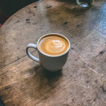 Welke koffiesoort bevat de meeste cafeïne? | KoffiePartners